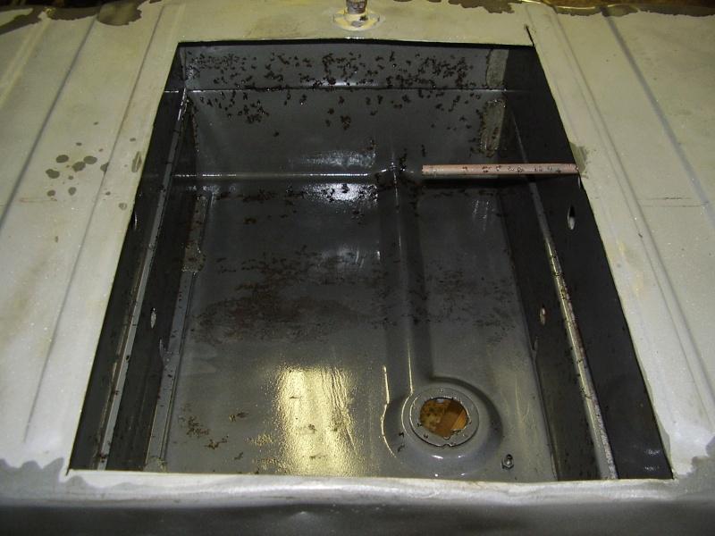 comment peut on nettoyer un interieur de reservoir. Black Bedroom Furniture Sets. Home Design Ideas