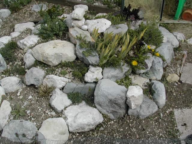 Faire une rocaille for Comfaire un parterre de rocaille