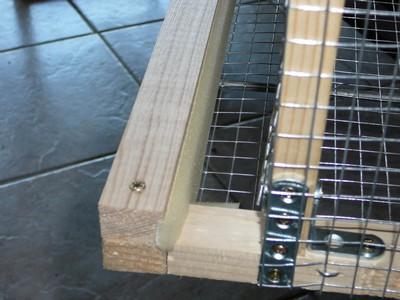Exemple de cage pour cailles fabrication maison for Abreuvoir lapin fait maison