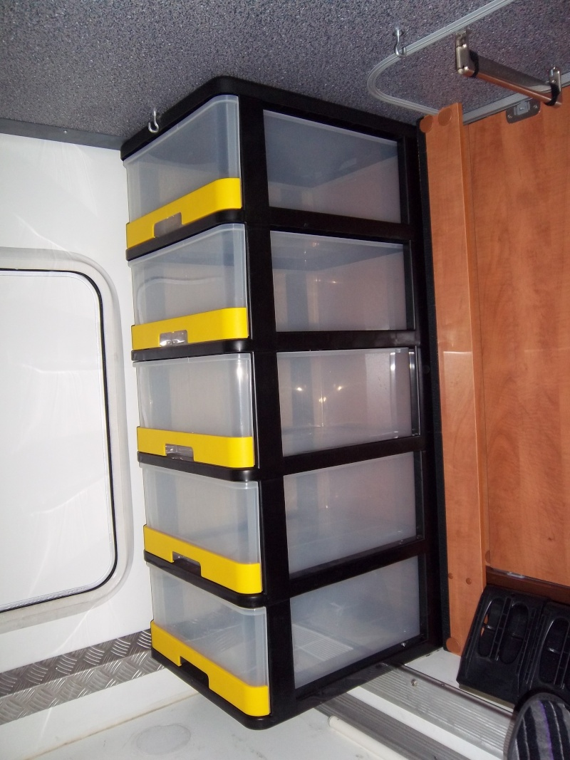 caravaning univers vente accessoire camping car et. Black Bedroom Furniture Sets. Home Design Ideas
